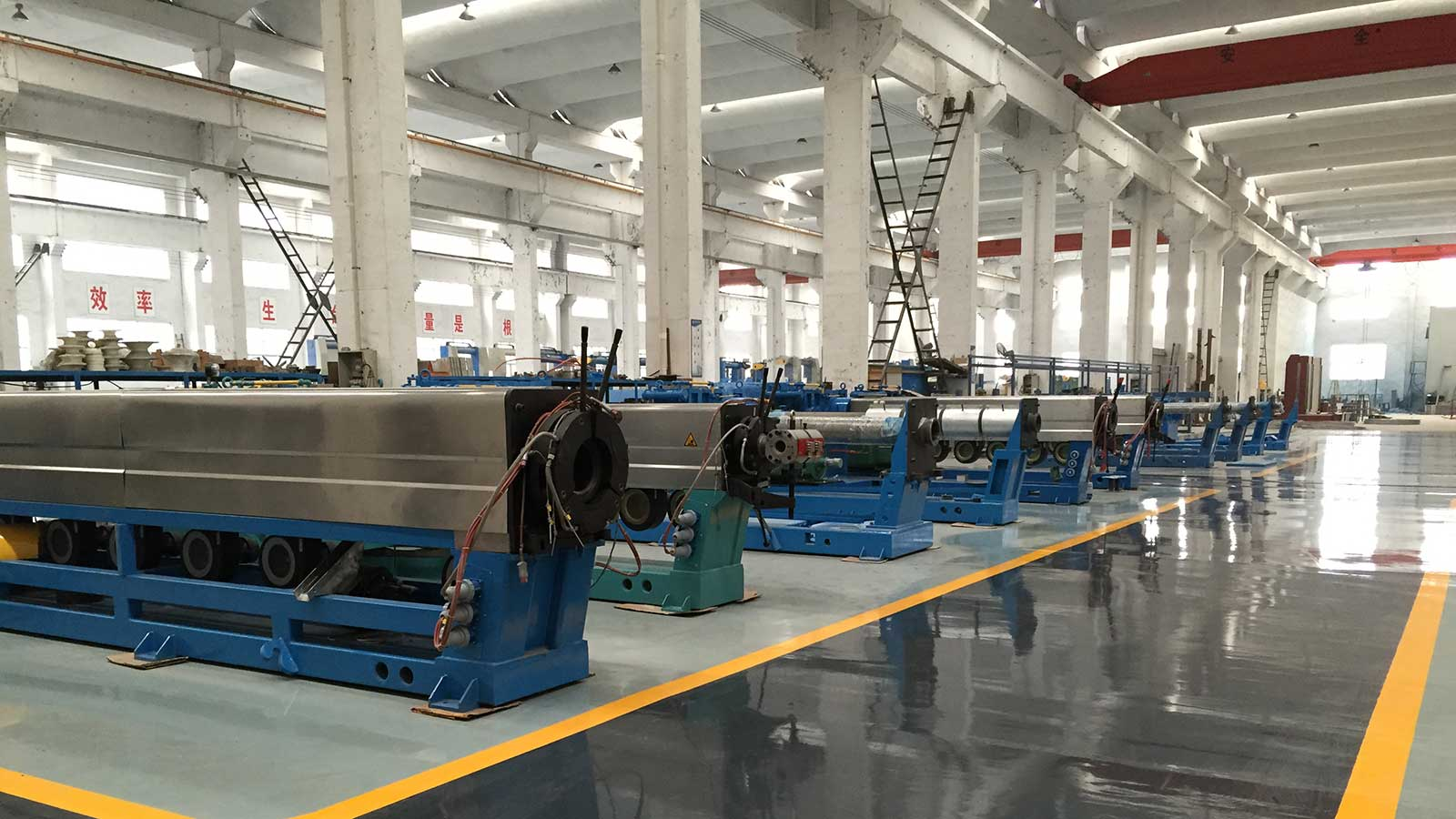 Extrusion production line of ultra high pressure 200+120 double layer sheath
